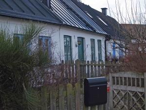 De fyra husen på Rabygatan 3, 5, 7, och 9 utgör ett genuint stycke limhamnsmiljö